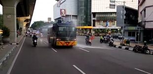 Sejumlah Jalan Protokol di Kota Palembang Disemprot Disinfektan