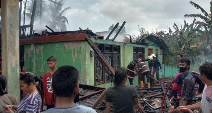 Diduga Konsleting Listrik, Satu Rumah Hangus Terbakar