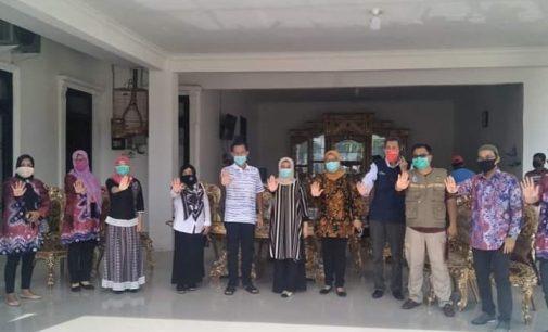 Keluarga Sambut Kepulangan Istri Wawako Prabumulih, Setelah Dinyatakan Sembuh
