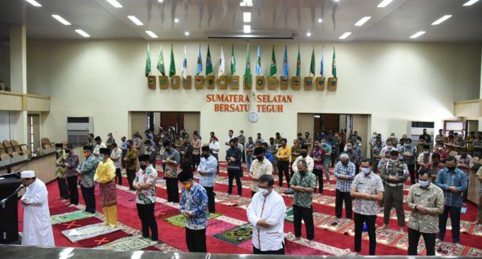 Shalat Jumat di Kantor Gubernur dibuka, Herman Deru Ingatkan Protokol Kesehatan