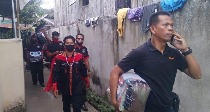 Telusuri Gang Sempit, FORSA Bantu Korban Kebakaran