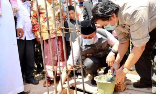 Peletakan Batu Pertama Pembangunan Ponpes Uchwah dan Renovasi GOR 10 November