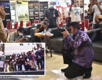 Gubernur Herman Deru Jadi Fotografer Dadakan di OPI Mall
