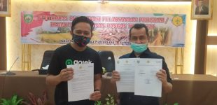 Gojek Ringankan Beban Mitra dengan Diskon Belanja Sembako di Pasar Mitra Tani Palembang