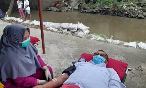 Hari Kanker Sedunia XL Axiata dan Komunitas Jurnalis Gelar Donor Darah