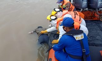 Sampannya Terhempas Ombak, Suwandi Ditemukan Tewas di Pinggir Sungai