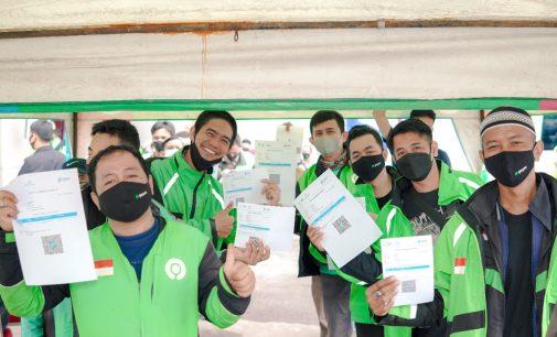 Ribuan Mitra Gojek Ikuti Vaksinasi Poltekpar Palembang